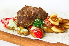 Piatto del ristorante, salmone fritto Fotografia Stock