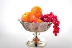 Piatto di frutta di cristallo Fotografie Stock Libere da Diritti