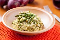 Piatto di risotto con asparago Immagini Stock