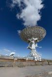 Piatto enorme dell'antenna a matrice molto grande Fotografie Stock