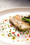 Piatto gastronomico dell'aperitivo della pancia di carne di maiale Immagini Stock Libere da Diritti