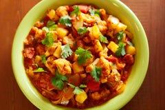 Piatto indiano del curry di Gobi Aloo Fotografie Stock Libere da Diritti