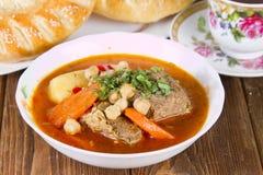 Piatto nazionale dell'Uzbeco - shurpa Fotografie Stock
