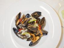 Piatto principale dei frutti di mare in un piatto profondo Immagine Stock