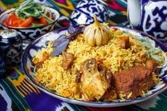 Piatto tradizionale del riso e dell'agnello immagini stock
