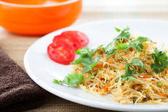 Piatto vegetariano indiano pronto da vermicel fotografie stock