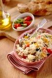 Piatto veggy delizioso con il pasto della quinoa immagini stock libere da diritti