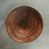 Piatto vuoto su Gray Wood fotografia stock