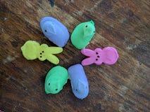 Piaulement de guimauve complet sans des marques de morsure Image stock