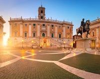 Piazza在Capitoline小山的del Campidoglio的全景图象 免版税库存图片