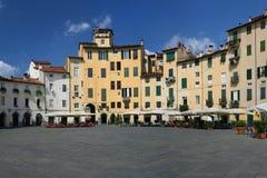 Piazza Anfiteatro de Lucca photo libre de droits