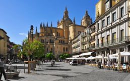 Piazza-Bürgermeister-Quadrat und Kathedrale in Segovia, Spanien Stockbild