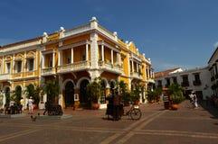 Piazza in Cartagena, Kolumbien stockfotos