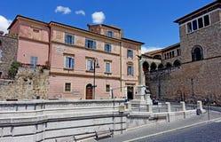 Piazza Cavour di Tarquinia Immagini Stock