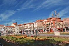 Piazza Cervantes in Alcala de Henares, Spanien lizenzfreies stockbild