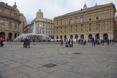 Piazza De Ferrari - el edificio de la región y del edificio de la bolsa de acción Fotos de archivo