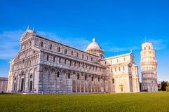 Piazza dei Miracoli kompleks z oparty wierza Pisa Zdjęcie Stock