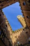 Piazza del园地是锡耶纳大广场有在Palazzo Pubblico的看法 图库摄影