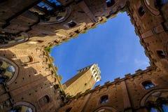 Piazza Del Campo jest głównym placem Siena z widokiem na Palazzo Pubblico Fotografia Stock
