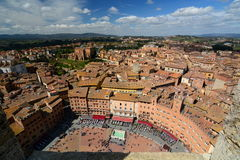 Piazza del Campo mening van Torre del Mangia Siena toscanië Italië stock afbeeldingen