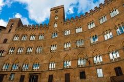 Piazza del Campo på Siena Arkivfoton