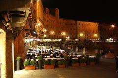Piazza del Campo a Siena (Italia) alla notte Fotografie Stock Libere da Diritti
