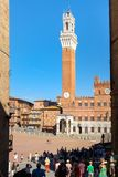 Piazza Del Campo und das Palazzo Publico auf der mittelalterlichen Stadt von Siena, Italien Lizenzfreie Stockfotografie