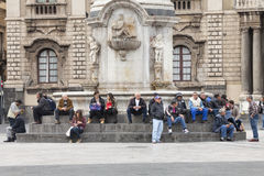 Piazza del Duomo在卡塔尼亚,西西里岛 意大利 有大象的方尖碑 免版税库存图片