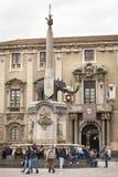 Piazza del Duomo在卡塔尼亚,西西里岛 意大利 有大象的方尖碑 免版税图库摄影