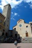 Piazza del Duomo广场在圣吉米尼亚诺市在托斯卡纳,意大利 库存照片
