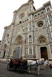 Piazza del Duomo en la ciudad de Florencia, Italia Foto de archivo libre de regalías
