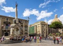Piazza Del Duomo z katedrą Santa Agatha i słoń Rzeźbi fontannę - Catania, Sicily, Włochy Obrazy Royalty Free