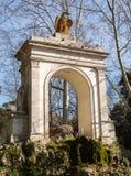 Piazza del Fiocco boog en fontein in Rome Stock Foto's