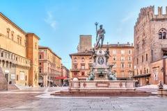 Piazza del Nettuno fyrkant i bolognaen royaltyfri bild