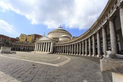Piazza del Plebiscito, Nápoles, Italia foto de archivo