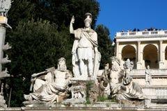 Piazza del Popolo People以Sa教会命名的` s正方形  免版税图库摄影