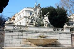 Piazza del Popolo People以Sa教会命名的` s正方形  免版税库存照片