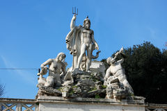 Piazza del Popolo People以Sa教会命名的` s正方形  免版税库存图片