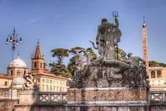 Piazza del Popolo in Rome en het standbeeld van Neptunus Royalty-vrije Stock Foto's
