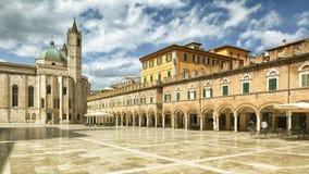 Piazza Del Popolo w Ascoli Piceno Włochy fotografia royalty free