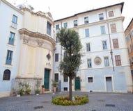 Piazza della Quercia en Santa Maria della Quercia Church in ROM royalty-vrije stock foto's