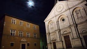 Piazza di Pienza alla notte archivi video