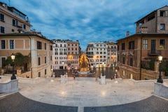 Piazza di Spagna和通过Condotti,罗马,如被看见从Trinita dei Monti 免版税库存图片