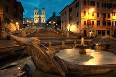Piazza di Spagna am Sonnenaufgang, Italien Stockbilder