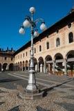 Piazza Ducale med original- grekiska frescoes på historisk byggnad arkivfoton