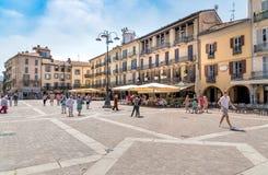 Piazza Duomo no centro histórico de Como, Itália fotos de stock