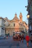 Piazza Giacomo Matteotti en kerk Chiesa del Gesu in Genua Royalty-vrije Stock Foto's