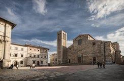 Piazza Grande em Montepulciano, Toscânia, Itália fotos de stock