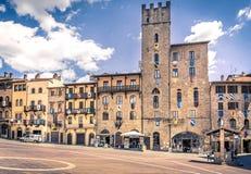 Piazza Grande het belangrijkste vierkant van Toscaanse Arezzo stad, Italië stock foto's