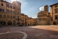 Piazza Grande la place principale de la ville toscane d'Arezzo, Italie Images libres de droits